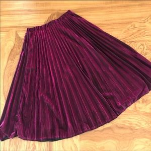 Metallic Flowy Fuchsia Pleated Midi Skirt